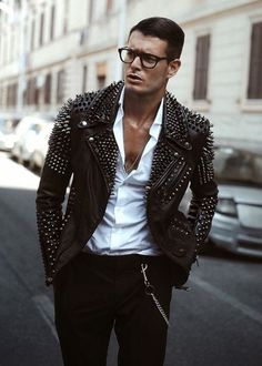 New glasses outfit men jackets ideas Brown Leather Jacket Men, Classic Leather Jacket, Studded Leather Jacket, Leather Jacket Outfits, Vintage Leather Jacket, Biker Leather, Leather Men, Real Leather, Leather Jackets