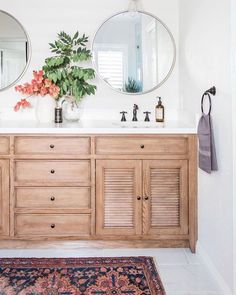 BECKI OWENS- Guest Prep: Bathroom ❤️ Refresh your guest bathroom with these styling tips. Today on the blog!