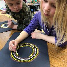 """Almost done with the """"seeds"""" of our sunflowers 🌻🌻 kindergarten artproject sunflower artclass artroom artteacher qtip dots Art For Kids, Crafts For Kids, Art Lessons Elementary, Kindergarten Art Lessons, Spring Art, Preschool Art, Art Classroom, Teaching Art, Art School"""