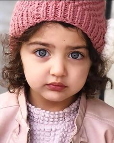 Cute Little Baby Girl, Cute Baby Girl Pictures, Cute Girl Face, Little Babies, Baby Love, Cute Babies, Cute Baby Girl Wallpaper, Baby Christmas Photos, Cutest Babies Ever