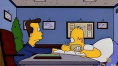 Homer Simpson intenta firmar un seguro de vida http://www.trivi-amigos.webgarden.es/menu/img-y-frases-de-los-simpson:3