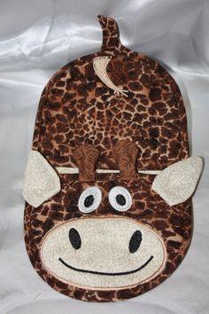 In the hoop Giraffe oven mitt pot holder design pattern for embroidery machines by Christysdigitalfiles on Etsy