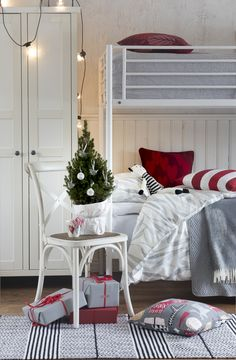 Red-white Raita (Stripe) cushion cover is cm in size and pairs perfectly with a cm inner cushion. Marimekko, Striped Cushions, Christmas 2017, Red Stripes, Red And White, Thanksgiving, Holidays, Bed, Cover