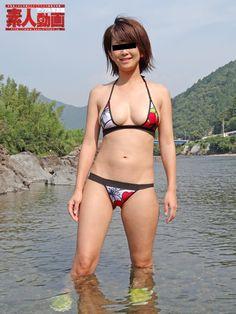 【夏菜】激似の美人妻が晒すグラビア級メリハリボディーとセクシー水着ヌードショー | 素人動画アップル写真館