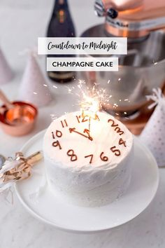 Countdown to Midnight Champagne Cake! | Pizzazzerie Sylvester Buffet, Dessert Nouvel An, New Years Eve Dessert, New Years Eve Cake Recipe, New Year's Desserts, Baking Desserts, Party Desserts, Health Desserts, Party Mottos