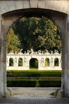 Château de Raray. Oise. Picardie Monuments, Haute Marne, French Country Style, French Country Decorating, French Exterior, Beauvais, Gothic Garden, Tivoli Gardens, Most Beautiful Gardens