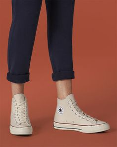 Converse Shoes Outfit, High Top Converse Outfits, High Top Chucks, High Top Sneakers, Sneakers Sketch, Outfits Hombre, White High Tops, Leather High Tops, Tennis