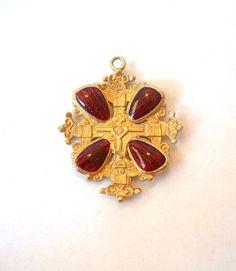 Vintage Accessocraft Medallion Red Art Glass by MargsMostlyVintage, $32.00
