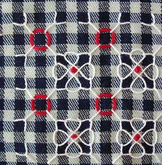 Broderie Suisse / Swiss Embroidery / Chicken Scratch - Stitch Image - Flower