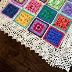 Hi, everyone! :) It's been a while because y'all may know, I'm nose-deep in writing a blanket pattern book – Woohoo! This week we are starting the border. Today I&#821…