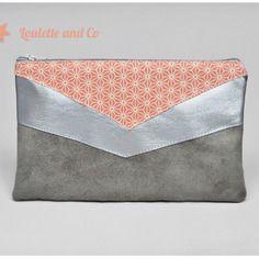 Trousse / pochette à maquillage en suédine gris, simili cuir argent et tissu japonais nude