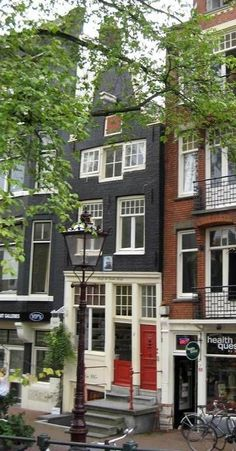 Amsterdam - Spiegelgracht 6 Amsterdam Winter, Amsterdam Art, Amsterdam Houses, Amsterdam Holland, Amsterdam Travel, Anne Frank, Rembrandt, Places To Travel, Places To Go