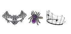 Tripletta accessori da vampirella: maschera pipistrello, anello ragno e coroncina ragnatela, tutti da Claire's  -cosmopolitan.it