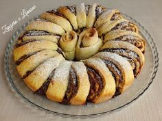 The nutella donut is a fragrant and bell-shaped sweet that, if preferred, can be filled with jam or chocolate. Nutella Recipes, Sweets Recipes, Cake Recipes, Mini Desserts, Delicious Desserts, Nutella Donuts, Cake Calories, Torte Recipe, Sweet Pie