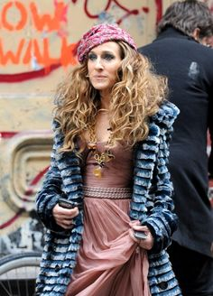 The Sex and the City star Sarah Jessica Parker rocked for the promo shoot for the upcoming movie Sex and the City. The actress was hot like fire while shooting a print ad in New York earlier today.