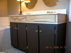 Cheap and Easy Diy Bathroom Vanity Makeover Ideas - Bancroft News Bathroom Vanity Makeover, Rustic Bathroom Vanities, Bathroom Vanity Cabinets, Diy Cabinets, Small Bathroom, Bathroom Mirrors, Bathroom Ideas, Bathroom Faucets, French Bathroom