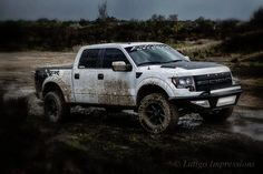 Word is that with the upcoming slide show, Ford will reveal additional changes to the next 2014 Ford Raptor.