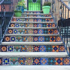 Begging to be climbed this gorgeous #tiled #staircase was beautifully captured by @thebrooklynlondoner. // #archilovers #architettura #designhounds #designer #designinspiration #exteriordesign #hardscape #homedesign #instadecor #instadesign #idcdesigners #steps #stairs #tileometry #tiles #tile #tiledesign #tilelove #tilestyle #tilework #tileaddiction #ihavethisthingwithtiles