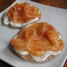 Smoked salmon and dill cream cheese crispbreads - 199 calories. Luxurious lunch for the 5:2 diet.