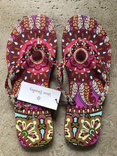8aa0e41431a894 NWT Vera Bradley Women s Flip Flops Resort Medallion Large 9-10 9 10 NEW