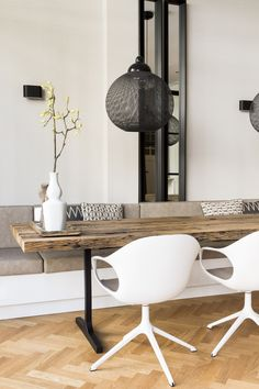 Oak Dining Table, Dining Nook, Dining Room Design, Living Room Seating, Living Room Decor, Dining Room Inspiration, Interior Inspiration, Beautiful Houses Inside, Interior Styling