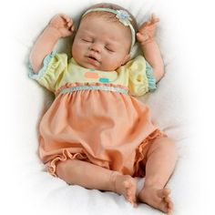 Violet Parker So Truly Real Lifelike Baby Girl Doll Weighted For Realism by The Ashton-Drake Galleries Real Baby Dolls, Real Doll, Baby Girl Dolls, Toddler Dolls, Reborn Dolls, Reborn Babies, Ashton Drake, Lifelike Dolls, Newborn Baby Dolls