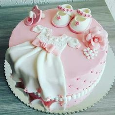 Such a cute and unique baby shower or birthday cake. The D… – baby kuchen - Baby Shower Baby Cakes, Baby Christening Cakes, Baby Birthday Cakes, Baby Baptism, 1st Birthday Cake For Girls, Baptism Cakes, Pink Cakes, Birthday Kids, Baptism Ideas