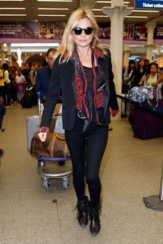 7 Ways to Tie a Scarf Like Kate Moss
