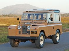 This 1964 Land Rover Series IIA 88 Station Wagon looks to have been restored to a very high standard, the seller describing it as mechanically sorted and rust-free. We like the color combo and interesting Tropical Roof option, the latter of which acts as a sun-reflecting vent that directs fresh air