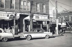 Des Moines, IA NW corner of 6th and Forest Avenues, 1950's