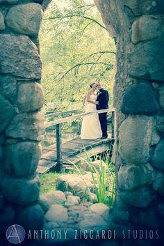 Lauren and Matt at Caitlin Gardens.  #caitlingardens #gardens #wedding #mrandmrs #justmarried #weddingday #happycouple #aziccardi #anthonyziccardistudios