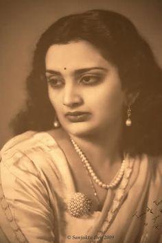 Rajmata Krishna Kumari was the last reigning Maharani of Marwar-Jodhpur; her husband was H.H. Raj Rajeshwar Maharajadhiraj Shri Hanwant Singh. He married thrice, she was his first wife, in 1948 his second wife was HH Maharani Sundra Devi (formerly Sandra McBryde). His third wife was the actress of the 1920's Zubeidaa Begum. He died on 26 January 1952 in a plane crash with Zubeidaa.