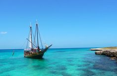 From horseback riding to scuba diving to dining on the beach, Aruba offers terrific experiences that should be on every traveler's list.
