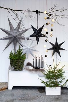 If you are looking for Scandinavian Christmas Decoration Ideas, You come to the right place. Here are the Scandinavian Christmas Scandinavian Christmas Decorations, Modern Christmas Decor, Decoration Christmas, Vintage Christmas, Christmas Aesthetic, Rustic Christmas, Black Christmas Trees, Nordic Christmas, Christmas Home