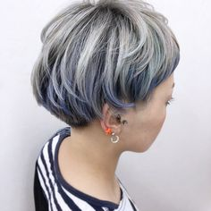 ショート好き女子のおすすめ【フレームカラー】のご提案です。 | 埼玉県 熊谷市の美容室 電髪倶楽部 副代表YSOのBlog Grey White Hair, Short Grey Hair, Short Hair Cuts, Short Hair Styles, Medium Bob Cuts, Bob Hair Color, Bob Hairstyles, Dyed Hair, Hair Beauty