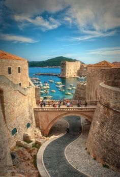 Dubrovnik is an amazingly intact walled city on the Adriatic Sea coast in the south of Croatia. Discover the best attractions and things to do in Dubrovnik. Places Around The World, Travel Around The World, Around The Worlds, Places To Travel, Travel Destinations, Places To Visit, Holiday Destinations, Montenegro, Voyage Europe