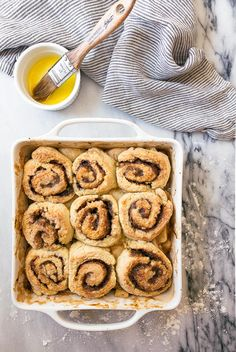 Cinnamon roll cobbler with apples! Apple pie meets cinnamon rolls, and no one is mad about it. Easy cinnamon rolls on top of apple pie filling. Apple Dessert Recipes, Apple Recipes, Delicious Desserts, Brunch Recipes, Cinnamon Roll Apple Pie, Cinnamon Apples, Dessert For Two, Eat Dessert First, Rhubarb Upside Down Cake