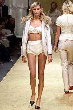 Louis Vuitton Fall 2002 Ready-to-Wear