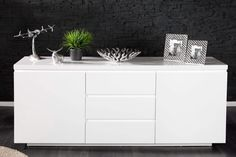 Vysokolesklá komoda 50 x 190 cm Sideboard Design, Living Room Designs, Living Room Decor, Laque, Interior Decorating, Interior Design, Decoration, Interior Architecture, Designer