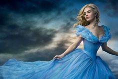 La razón por Emma Watson no usó corsé en 'La Bella y la Bestia'