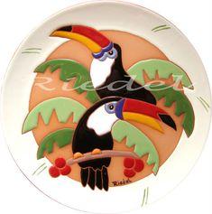 Brindes  - Tucanos                                                                                                                                                     Mais Clock Painting, Pottery Painting, Ceramic Painting, Ceramic Wall Art, Tile Art, Ceramic Pottery, Arte Pallet, Easy Mosaic, Plate Art