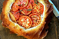 tengo un plan b: Tarta de tomates con mostaza antigua en base de filo