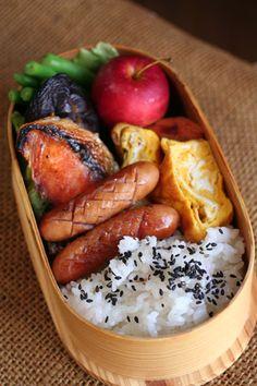 2013.10.30 和風弁当 Japanese Lunch Box, Japanese Food, Bento Recipes, Cooking Recipes, Yummy Snacks, Yummy Food, Star Food, Bento Box Lunch, Breakfast Lunch Dinner