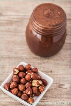 Make healthy Nutella yourself Baking makes you happy - Keto Diet Vegan Sweets, Healthy Sweets, Vegan Desserts, Happy Healthy, Sweet Recipes, Dog Food Recipes, Cooking Recipes, Diy Nutella, Nutella Vegan