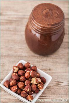 Backen macht glücklich | Nutella selbermachen: gesund, vegan und ohne Zucker | http://www.backenmachtgluecklich.de