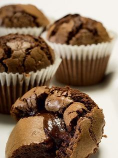 Juicy chocolate muffins - www. Greek Desserts, Cookie Desserts, Chocolate Muffins, Chocolate Desserts, Sweets Cake, Cupcake Cakes, Cupcakes, Sweets Recipes, Cake Recipes