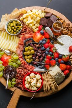 Making a Charcuterie Board is easier than you think. Sharing the best flavor pairings, and tips for arranging a meat and cheese board. Charcuterie Recipes, Charcuterie Platter, Charcuterie And Cheese Board, Cheese Boards, Party Food Platters, Cheese Platters, Appetizer Recipes, Appetizers, Snacks Für Party