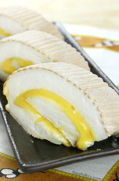 Mercedes - Jacqui Tela - Brazo de Mercedes Learn the secret to get that perfect Brazo de Mercedes with meringue that has super fine foamy texture that easily melts in your mouth like magic! Filipino Dishes, Filipino Desserts, Filipino Recipes, Filipino Food, Pinoy Recipe, Vietnamese Recipes, Baking Recipes, Cake Recipes, Dessert Recipes