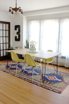 table diy with hairpin legs. OBSESSED.
