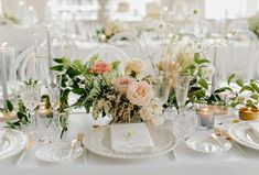 Neutral airy blooms